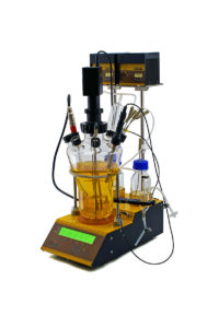Autoclavable bench-top laboratory bioreactor used for fermentation and cell cultures